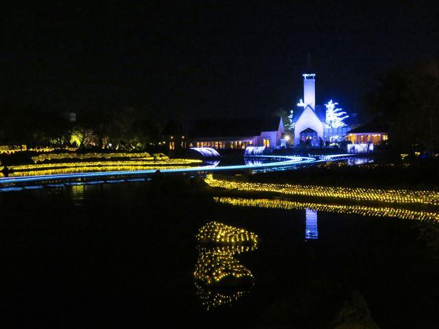 水上イルミネーション 光の大河(3)